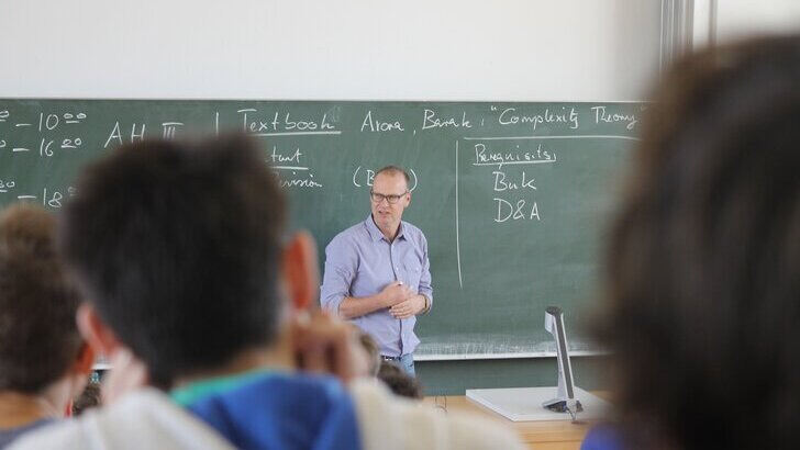Lecture held by Professor Grohe